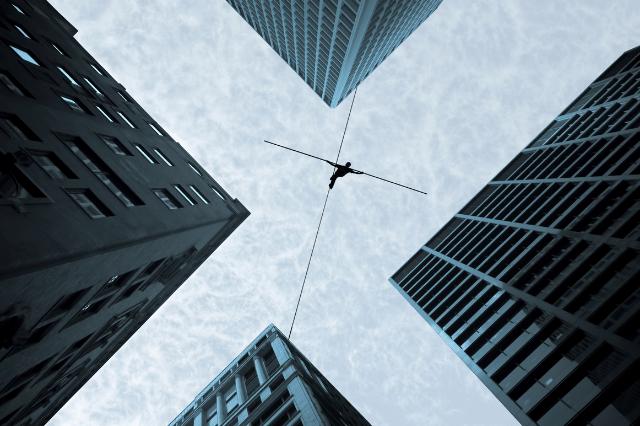 不動産投資に関する8つのリスクとは?